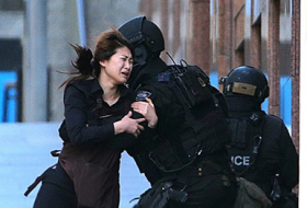 Busy Sydney streets fall silent during tense hostage standoff- PHOTOS