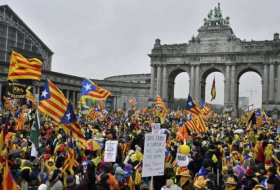 Pro-Catalan rally outside EU headquarters in Brussels- NO COMMENT