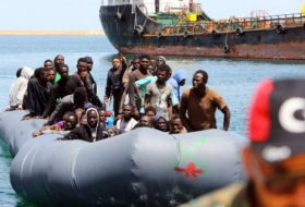 Hundreds of migrants rescued in Mediterranean - NO COMMENT