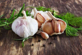 Eating garlic can reduce risk of certain cancers, study finds