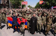 Soldiers join protests in Yerevan - LIVE