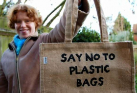 Drop in plastic bags littering British seas linked to introduction of 5p charge