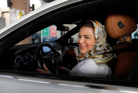 Saudi psychologist drives herself to work for first time - NO COMMENT