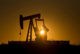 Oil prices mixed as producers adding more oil while U.S. gasoline stocks drop