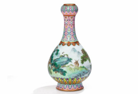 18th-century Chinese vase found in Paris attic sells for $19 million