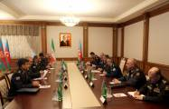 Azerbaijani defense minister meets with Iranian Border Guard commander