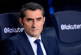 Barcelona extends coach Valverde's contract until 2020