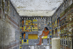 Egyptian archaeologists unveil 4,400yo tomb with spectacular paintings-  VIDEO