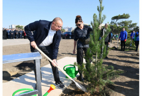 President Ilham Aliyev and first lady Mehriban Aliyeva attend tree-planting campaign in Baku