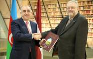 Azerbaijani FM visits National Library of Latvia -  PHOTOS
