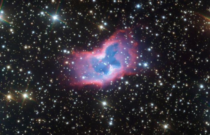 "Nebula: astronomers captured  <span style=""color: #ff0000;""> `space butterfly` </span>  from thousands of light years away"