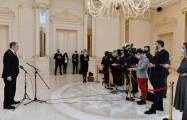 Russian FM speaks to media in Baku