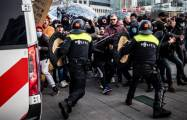 Anti-lockdown protesters clash with police in the Netherlands –   NO COMMENT