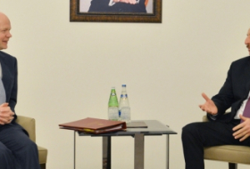 Ilham Aliyev meets British Foreign Secretary