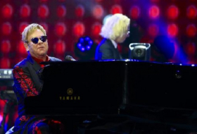 Elton John tells US Congress it has the power to end Aids
