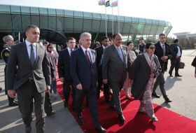 Pakistani President ends official visit to Azerbaijan