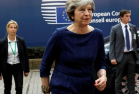 Brexit: Theresa May urges new dynamic in Brexit talks